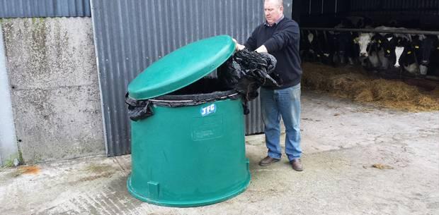 TidyWrap keeps bale plastic neat